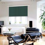 Interior einer design Loft mit Ledersessel und chaise lounge